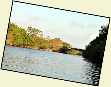 03a - heading up the canal near bridge