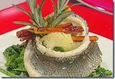 Turbante di spigola con patate e broccoletti