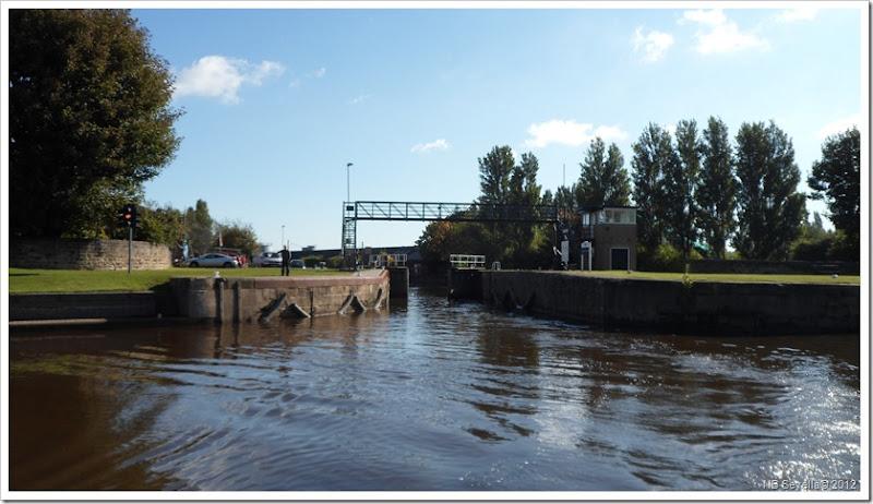 SAM_3649 Castleford lock