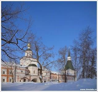 Вид на Церковь Михаила Архангела