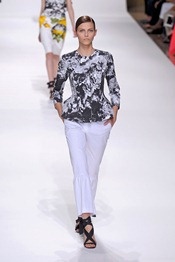 DRIES-VAN-NOTEN-SPRING-2012-RTW-PODIUM-025_runway