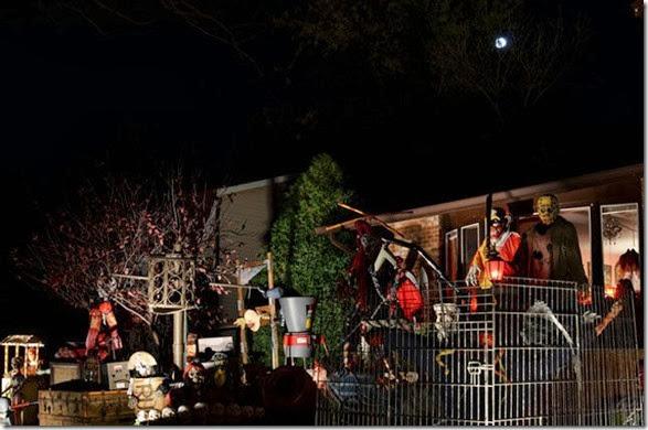 halloween-house-decorations-14