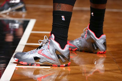 lebron james nba 140510 mia at bkn 10 game 3 James Laces Up Team Elite 11s as Brooklyn Defend Home Court