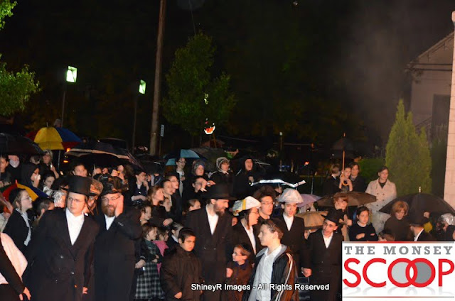 Stolin Bais Medrash On Main Street Lag Baomer 5772 - DSC_0038.JPG