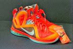 nike lebron 9 ps elite lebron pe galaxy 3 01 Closer Look at Nike LeBron 9 P.S. Blue Flame and Tennis Balls PEs
