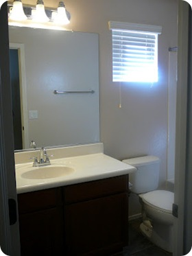 RENTAL BATHROOM BEFORE