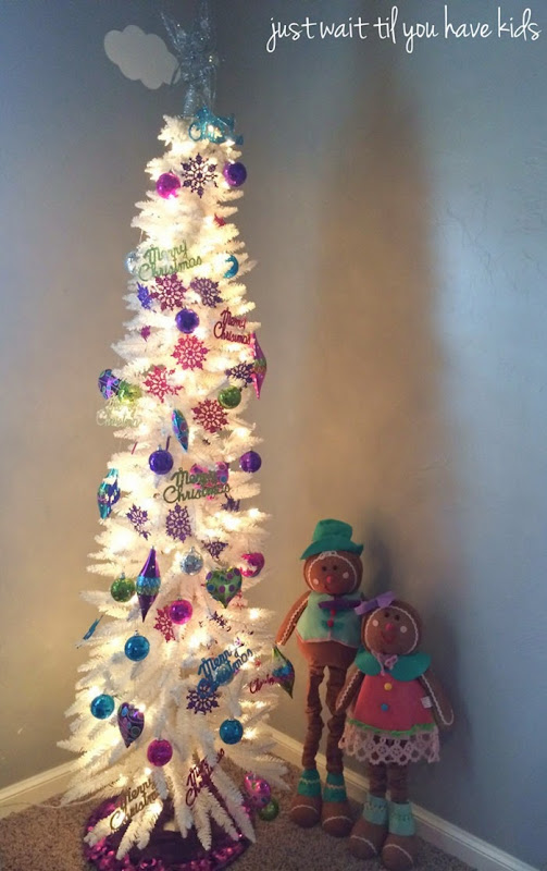 Christmas-Playroom-Tree