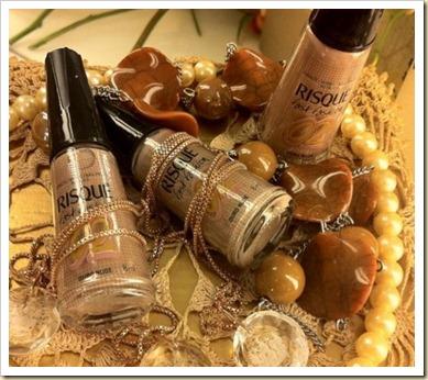 Esmalte-Risque-Fast-Fashion-02-Ouro-Nude-