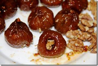 Shokoladovi bonboni s smokini i orehi_5923