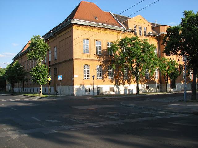 Elemi Népiskola2.JPG