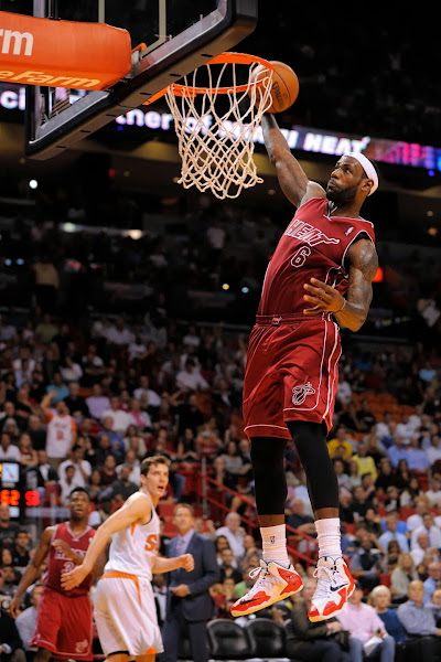 lebron james nba 131125 mia vs phx 02 Wall Street Journal & ESPN Report Nike Redefining LeBron 11 for LBJ