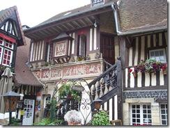 2012.08.16-020 village Guillaume-le-Conquérant