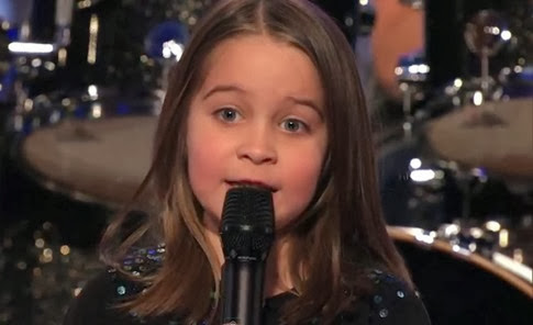 [Video] La niña de seis años que canta heavy metal