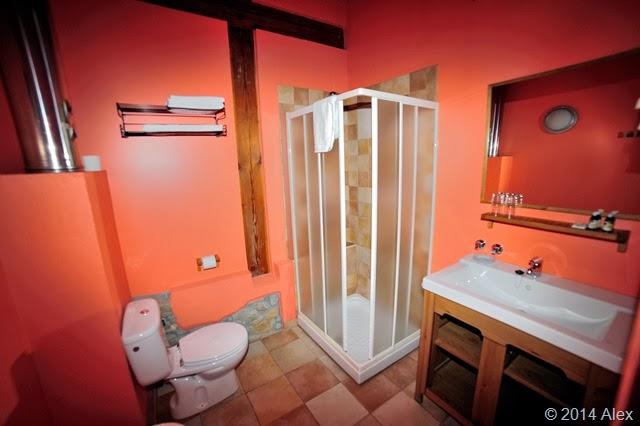 Baño habitación 04