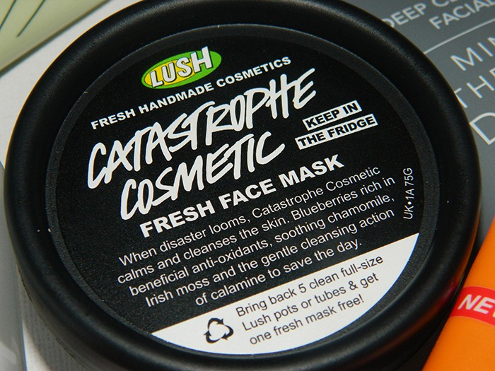 LUSH-Catastrophe-Cosmetic-Fresh-Face-Mask
