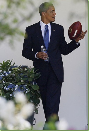 barack-Obama_football01