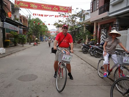 02. Hoian by bike.JPG