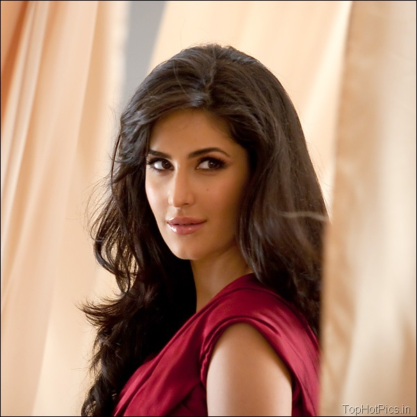 Katrina Kaif Hot Hd Pics in Red Dress 4