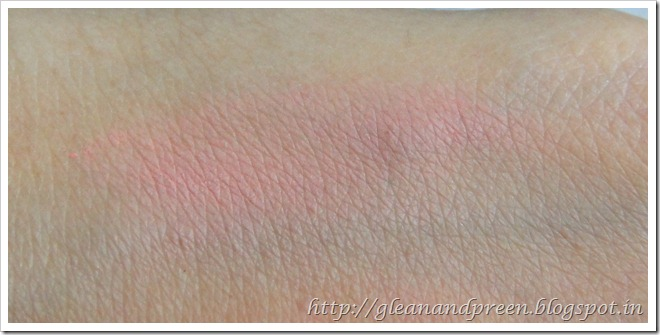 Jordana Blush Touch of Pink Swatch