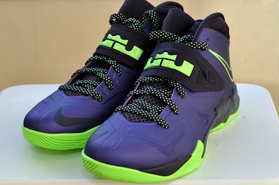 nike zoom soldier 7 gr purple black volt 3 07 Nike Zoom Soldier VII Court Purple/Flash Lime is Now Available!
