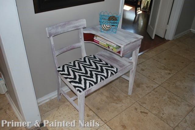 Gossip Table After ZigZag - Primer&Painted Nails