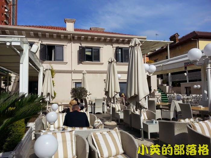 1003-2阿爾巴尼亞午餐餐廳.jpg
