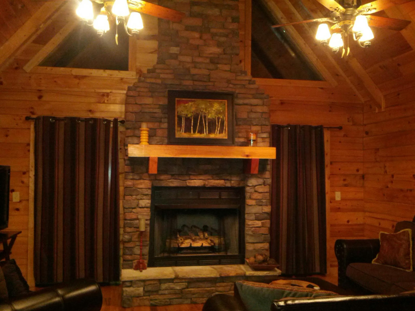 innburg style nook one bears tennessee pigeon cabin under tn gatlinburg bedroom forge oneoom nanas cabins room in