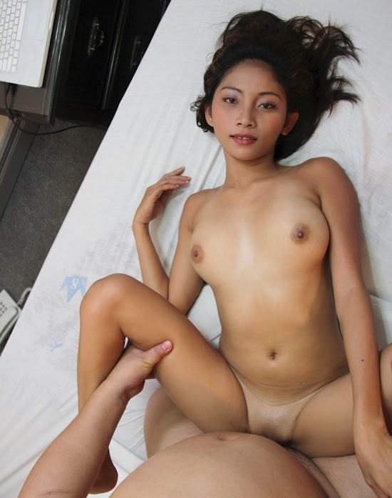 hornyasiangirls.net - Asian Whore Fucked from Behind (5).jpg