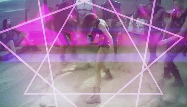 Ke$ha - Die Young.mp4_snapshot_01.41_[2012.11.15_14.46.05]