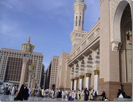Masjid Al Nabawi in Madinah - Saudi Arabia (entrance)