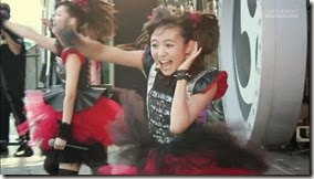 BABYMETAL_catch-me-if-you-can_04