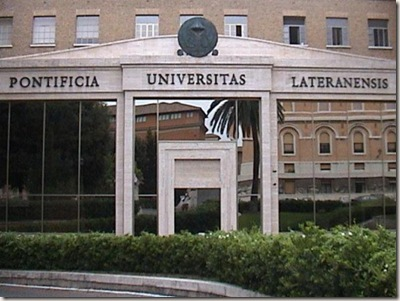 15-PontificiaUniv-1