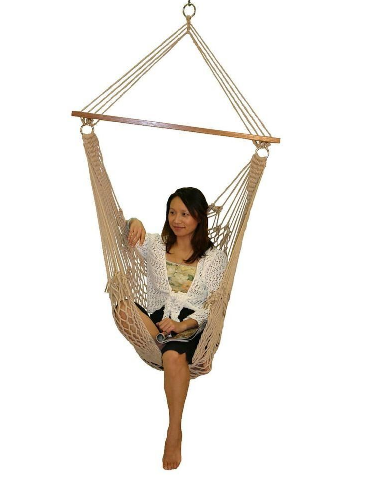 Cozy up in the summer sun with this rope swing.(homedepot.com)