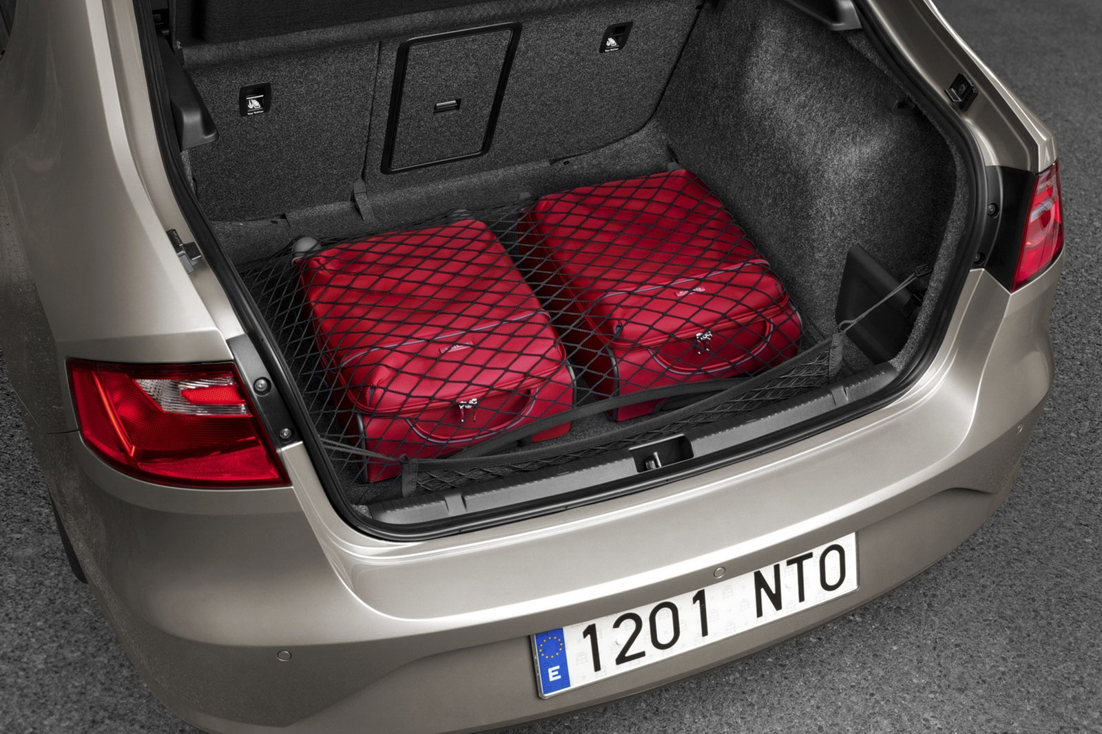 2012 - [Seat] Toledo IV - Page 6 2013-Seat-Toledo-Sedan-62%25255B2%25255D