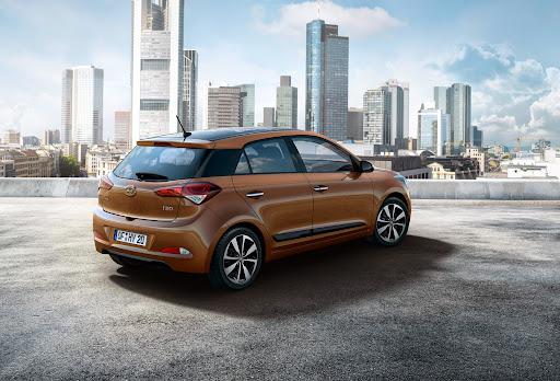 2015-Hyundai-i20-02.jpg