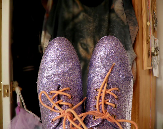 DIY GLITTER BROGUES