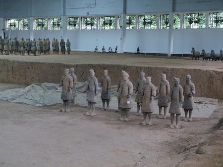 11. Soldati de teracota la Xian.JPG