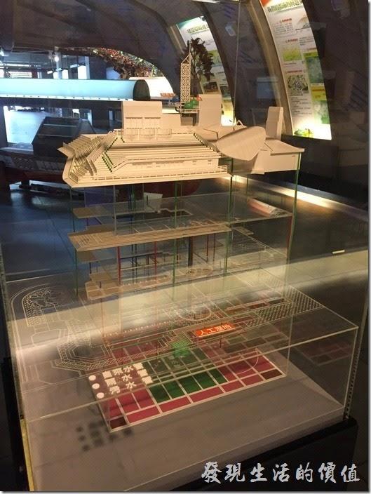 台南成功大學(力行校區)綠色魔法學校。這個模型展示綠色魔法學校的自來水、雨水、污水管路系統。