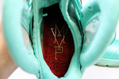 nike lebron 9 ps elite statue of liberty pe 4 10 It Takes $12,900 To Own Two Pairs of Rare LeBron 9 PS Elite PEs