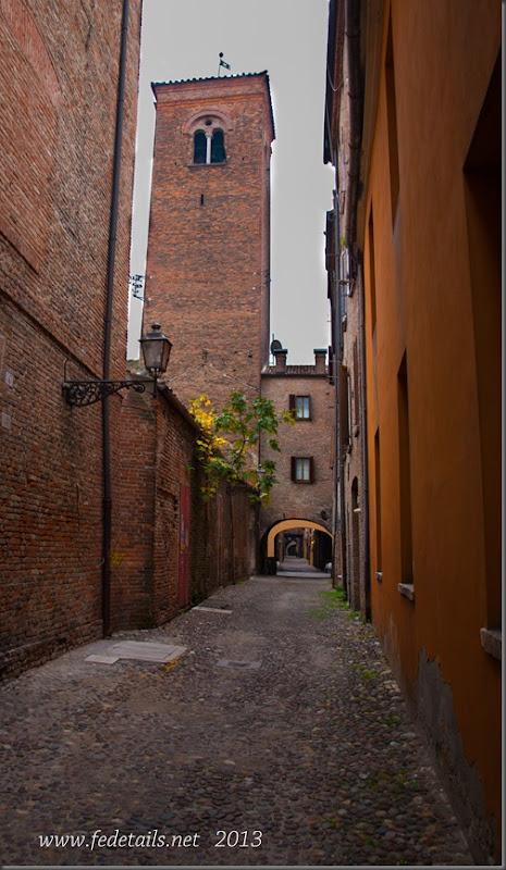 Torre dei Leuti da Via Capo delle Volte, Ferrara, Emilia Romagna, Italia - Tower of Leuti Via Capo delle Volte, Ferrara, Emilia Romagna, Italy - Property and Copyrights of FEdetails.net