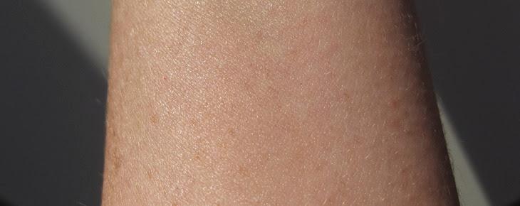 No7-Dark-Circle-Corrector-on-skin