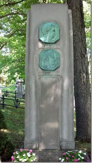 Mark Twain stone