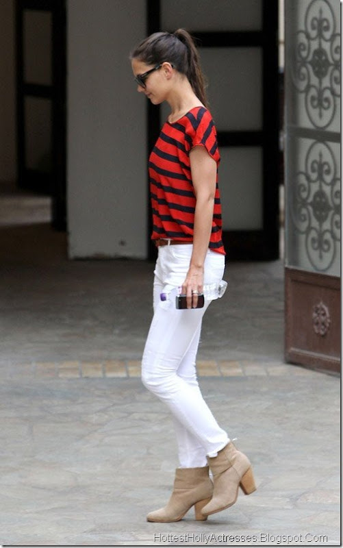 Katie Holmes Hot in Tight White Pants 2