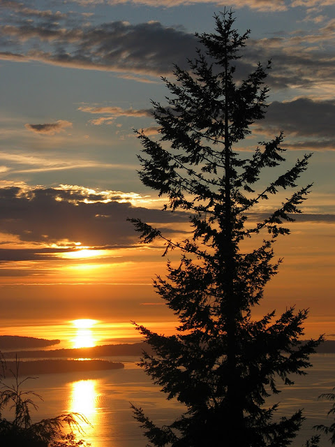 September 2010 - 2nd Place / Chuckanut Bay double sunset / Credit: Brian Malley