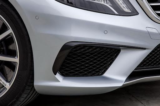 2014-Mercedes-Benz-S63-AMG-31.jpg