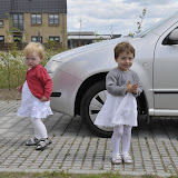 Silje og Sofia i fine kjoler :-)