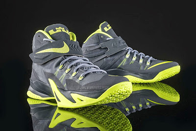 nike zoom soldier 8 gr grey volt 3 01 Upcoming Nike Zoom Soldier VIII Magnet Grey & Volt