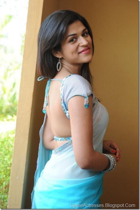 Shraddha Das hot backless saree 4