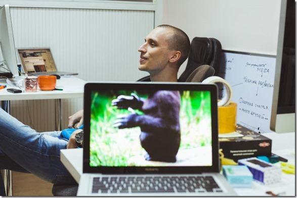 photobomb-coworkers-animal-17