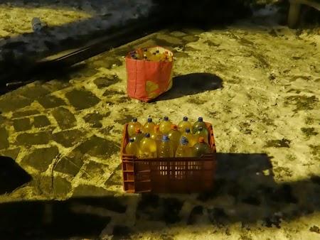 Sticle cu apa minerala